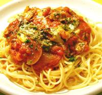 牡蠣とモッツァレラチーズのトマトソース、ジェノバソースがけ