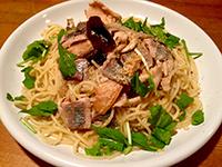 秋刀魚(サンマ)と五種キノコのアーリオ・オーリオ、ルッコラとスダチの香り